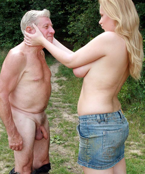 фото голых старух в джинсах