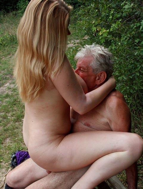 Секс фото дед с девушкой