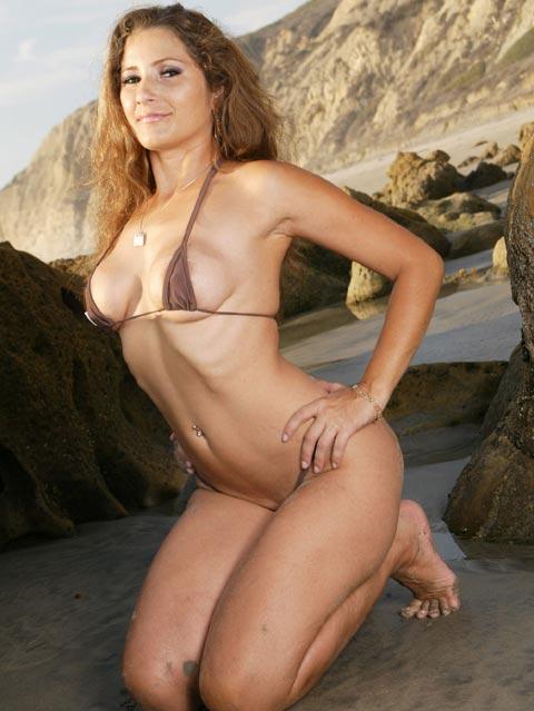 Mamadura de bikini en la playa