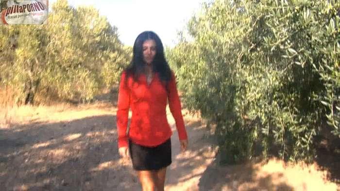Soraya se folla al exnovio de su hija - foto 1