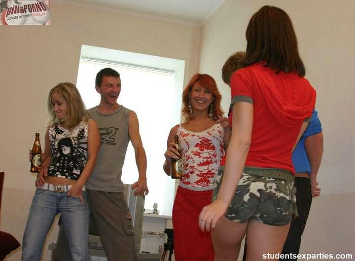 La juventud disfrutando: sexo y alcohol - foto 2