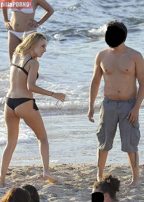 El culito de Berta Collado en las playas de Ibiza - foto 2