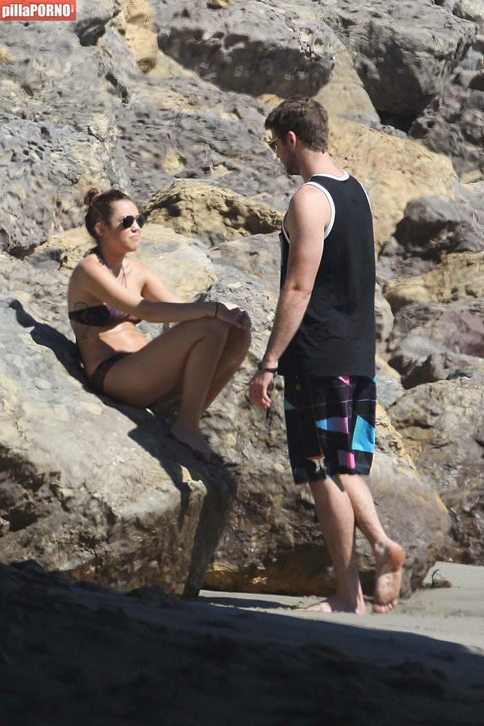 Miley Cyrus en bikini en las playas de Malibu - foto 3