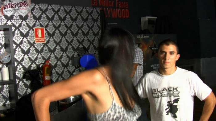 Ana, camarera de discoteca con el culo roto - foto 3