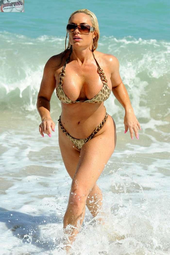 Nicole Coco Austin con un diminuto bikini - foto 5