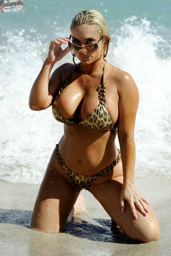 Nicole Coco Austin con un diminuto bikini - foto 11