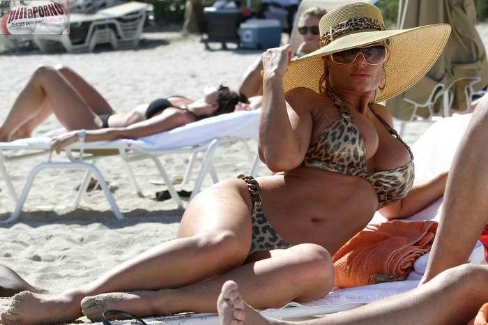 Nicole Coco Austin con un diminuto bikini - foto 20