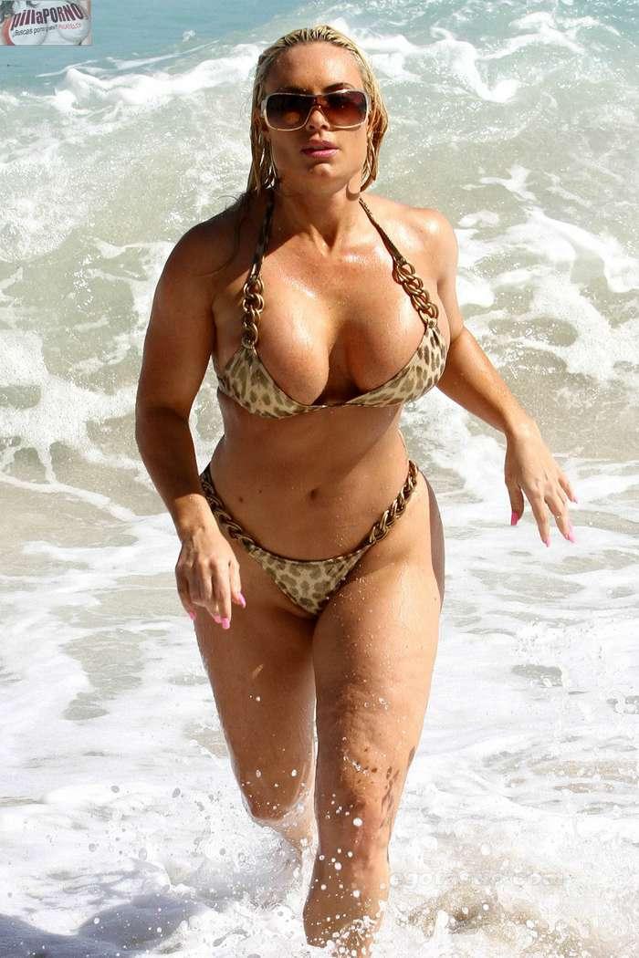 Nicole Coco Austin con un diminuto bikini - foto 21