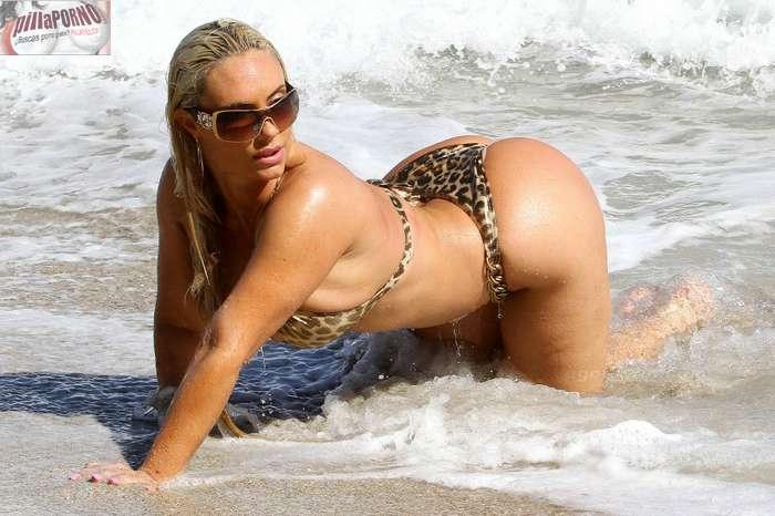 Nicole Coco Austin con un diminuto bikini - foto 23