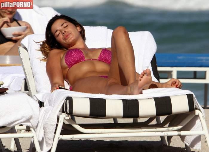 Espectacular Aida Yespica en las playas de Miami - foto 1