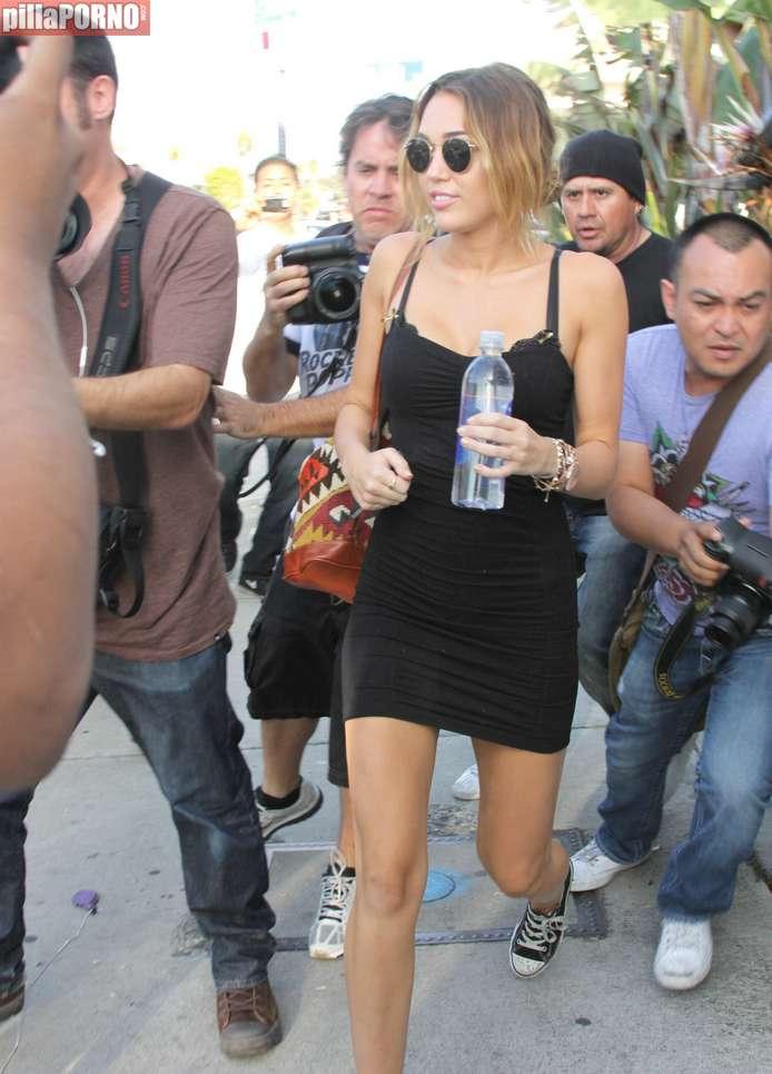 La entrepierna de Miley Cyrus - foto 2