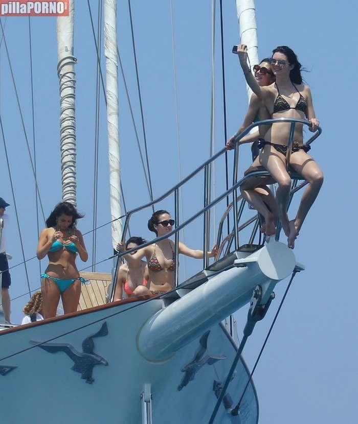 Kim Kardashian y Kendall Jenner - foto 4