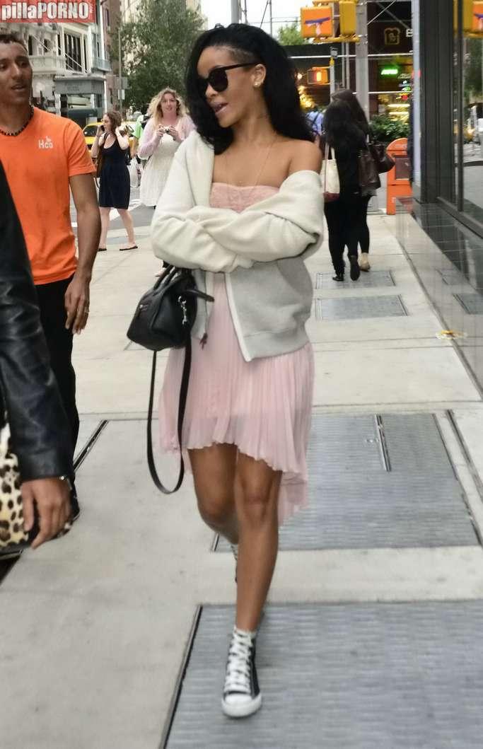 Rihanna de paseo por Nueva York - foto 5