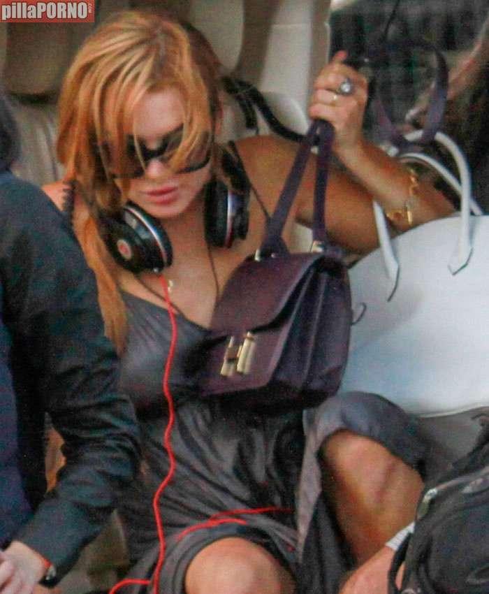La teta al aire de Lindsay Lohan - foto 10