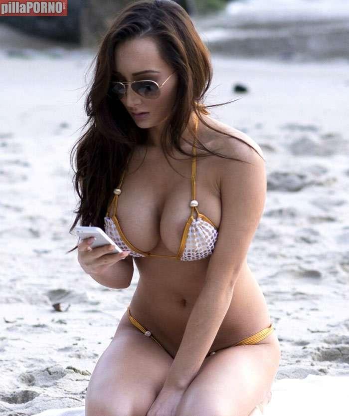 Amy Markham: mucha teta para tan poco bikini - foto 3