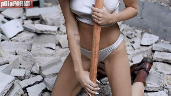 Miley Cyrus, otra vez muy excitante ... - foto 8